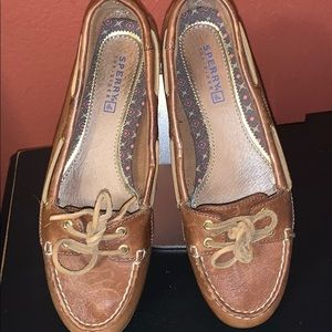 Sperry- preppy , leather flats! NWOT, see pics